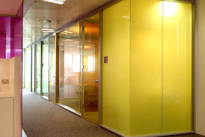 glass-partition-with-yellow-lighting